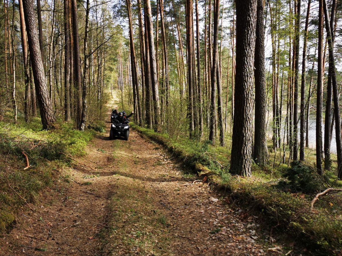 Turistiniai žygiai keturračiais Molėtų rajone